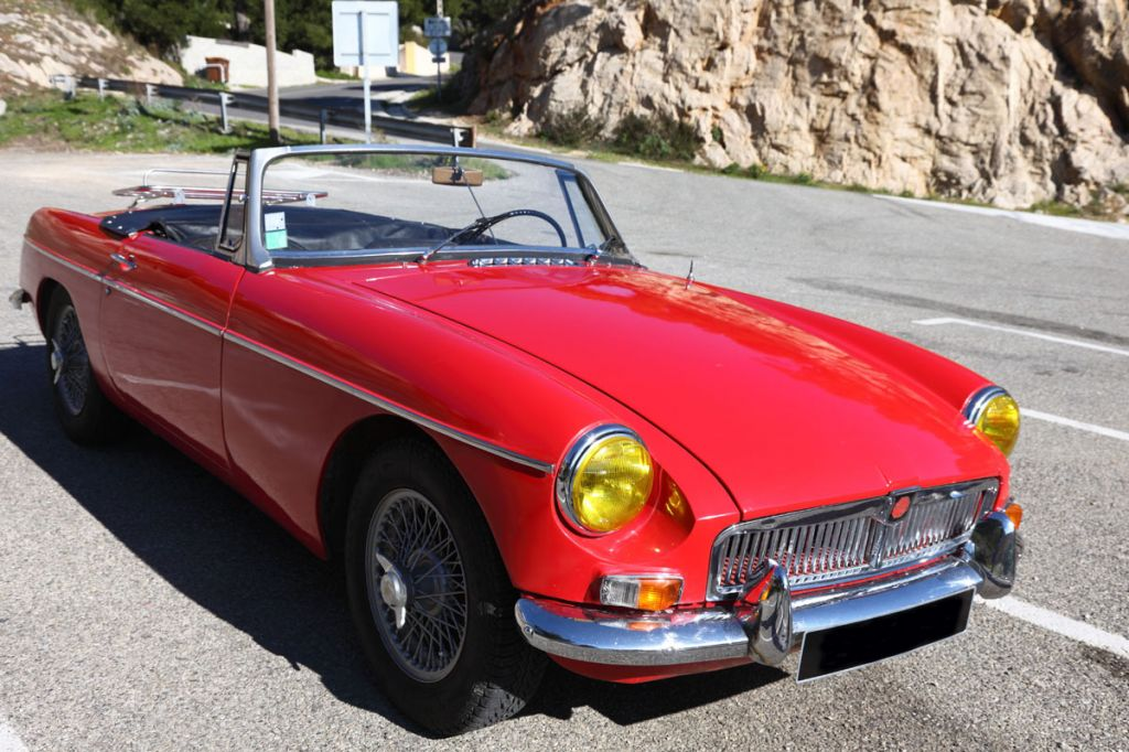 forum mg afficher le sujet mg b roadster cabriolet 1966 hard top mgb. Black Bedroom Furniture Sets. Home Design Ideas